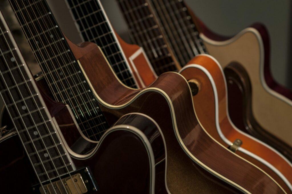 Fotos de guitarra acústica, española, eléctrica, clásica y flamenca