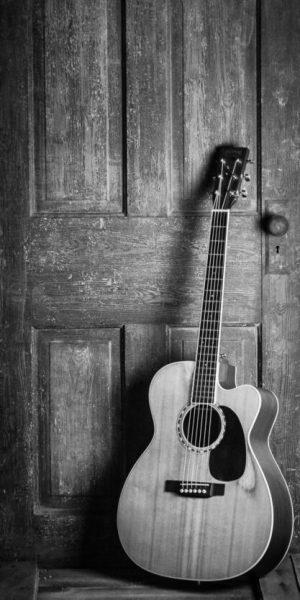 Foto de una guitarra en una clase