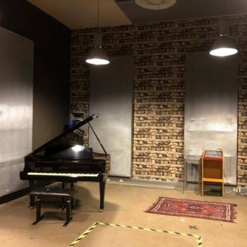 Music room in Amsterdam Damvibes