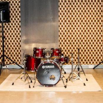 Music room in Amsterdam Music School Damvibes