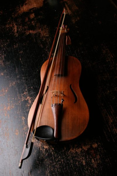 Photo of a violin for students of Brussels Academy of pop music