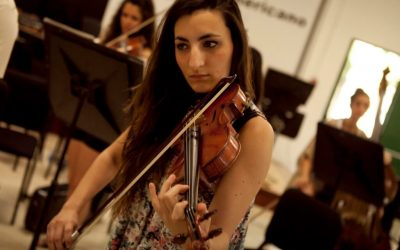 Professional violinist of our music academy in Brussels